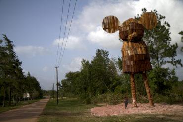 Wouter Klein Velderman, 'Monument For Transition', 2011, hout, 320 x 250 x 1500 cm, Moengo, Suriname.