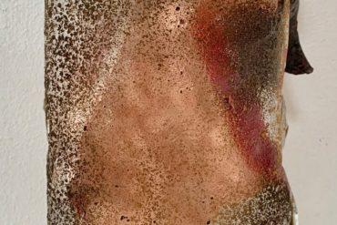 "Kech Edwards, ""Conserve Plataan"", zandgegoten glas en koperblad, 23 x 15 x 10 cm."